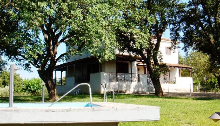 Villa in Varda-3