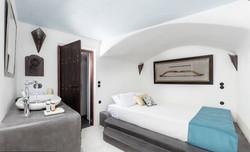 2nd Premium Suite with indoor heated plu