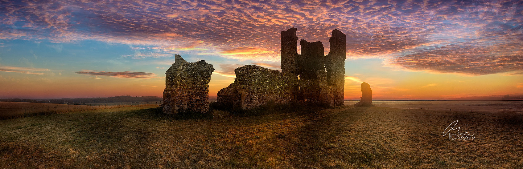Sunrise at Bawsey Ruins (72 res).jpg