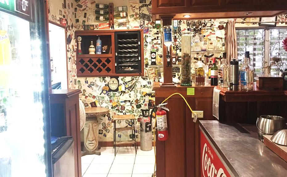 corkers-restaurant-07.jpg
