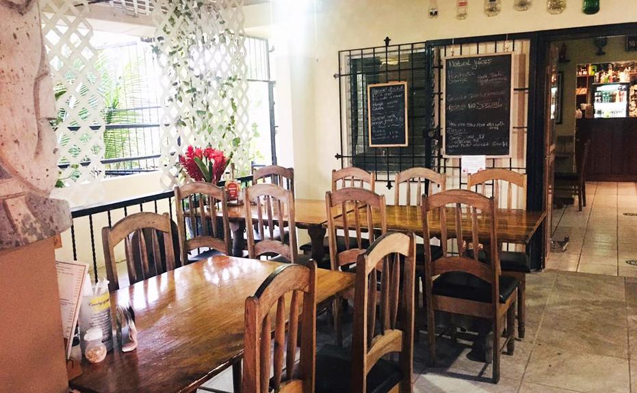 corkers-restaurant-06.jpg
