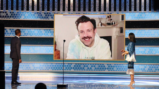 'Ted Lasso' Star Jason Sudeikis Wins Golden Globe for Musical or Comedy TV Series Actor (Declan Lowney)