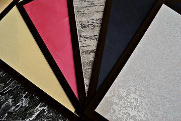 Декоративка. Образцы декоративных штукатурок. Мультиколорные краски, эффект мокрого шелка, фактурные штукатурки и травертин.