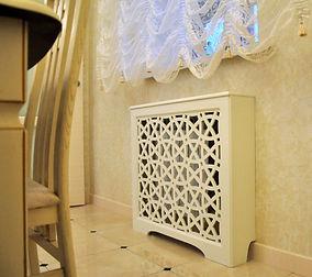 Короб резной приставной для радиаторов отопления. Фактурная декоративная штукатурка.