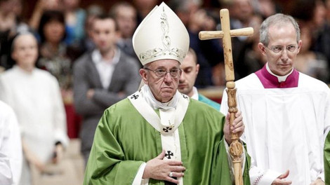 Папа отслужил в Ватикане мессу перед 1000 заключенных