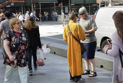 Буддийские лжемонахи Нью-Йорка