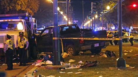В Нью-Орлеане пикап врезался в толпу людей