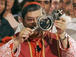 Архиепископ Неапольский возвестил об очередном чуде с кровью святого Януария, покровителя Неаполя