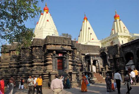 Женщины добились права молиться внутри индуистского храма