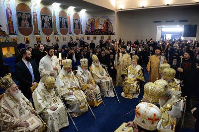 Предстоятели Поместных Православных Церквей совершили литургию в храме святого апостола Павла в Шамб