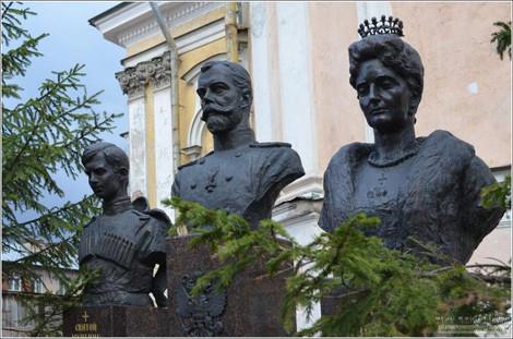 В Екатеринбурге улицу кегебиста  Толмачева переименуют в Царскую