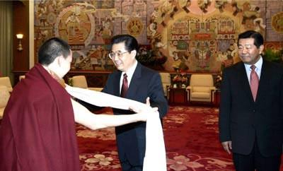 Китайские власти не уступят своего права решать, кому быть следующим Далай-ламой