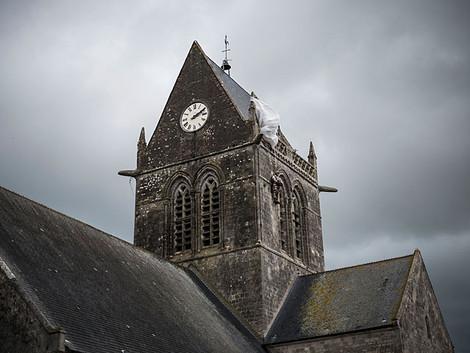 Казнь священника в Нормандии: его поставили на колени и перерезали горло