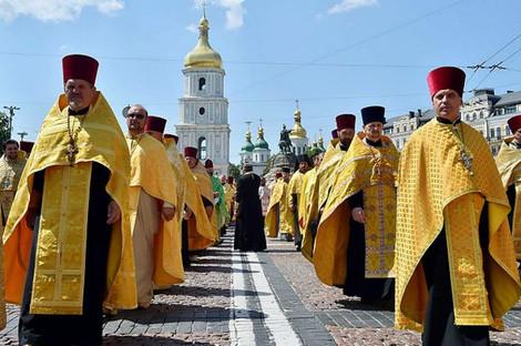 Порошенко выступил за единую поместную церковь на Украине