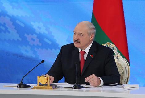 Лукашенко: я не пускал людей на Радуницу и читал лекции по атеизму