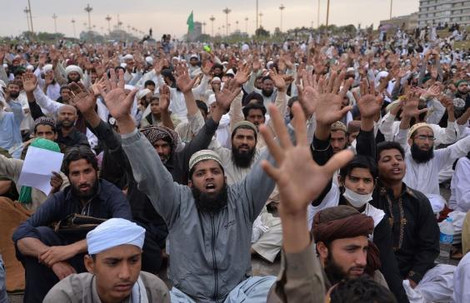 Исламские беспорядки в столице Пакистана
