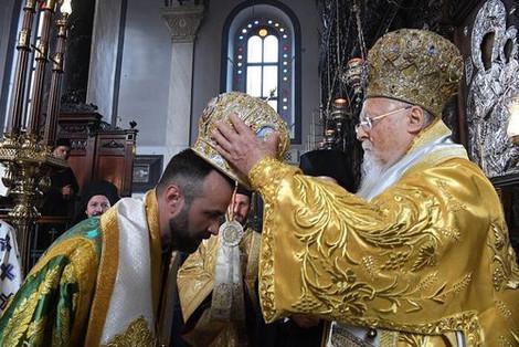 Патриарх Варфоломей рукоположил во епископы своего экзарха в Украине