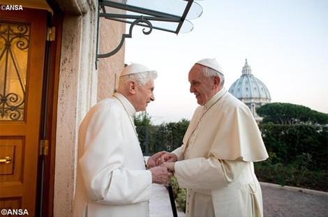 Почетный понтифик Бенедикт XVI впервые рассказал, почему он ушел на покой