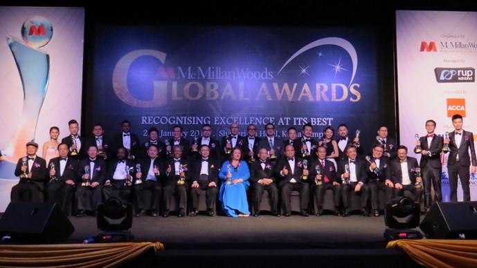 McMillan Woods环球奖颁奖礼 颁发36奖予企业家与娱乐界名人
