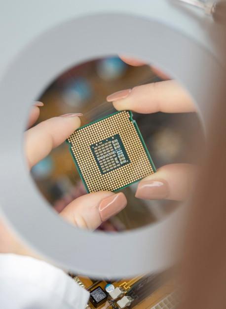 减产再减产芯片紧缺危机将持续