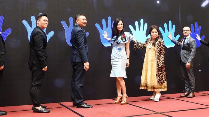 飞跃超卓生活国际博览会 8大区域展示品味颁27奖