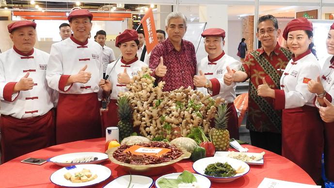 四川美食文化展暨美食产业合作对接会 中国17餐馆呈献拿手川菜共享丝路盛宴