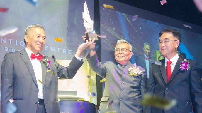 企业白金奖颁奖礼 吁中小企业为国贡献