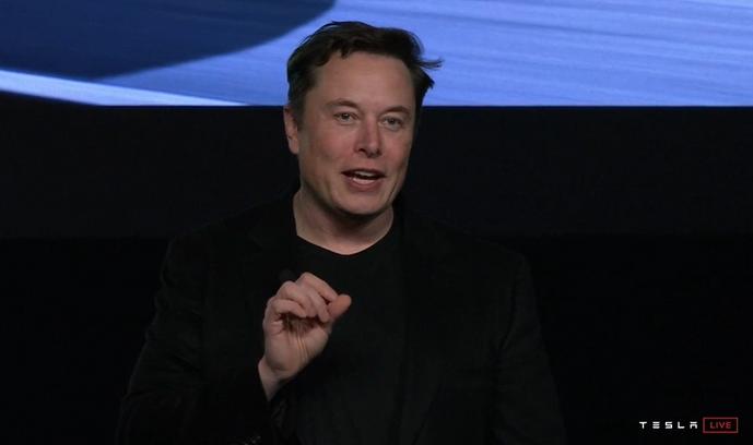 马斯克:做出伟大的产品比追求利润重要