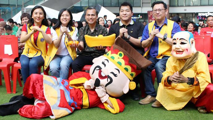 第4届新春慈善赠施敬老活动 法米:吉隆坡人发挥互助精神