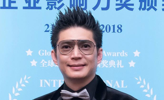 登姑穆哈默惍镱飒 皇家的珠宝设计师