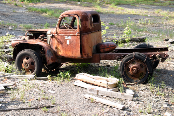 NY06 old truck in shale bank.jpg