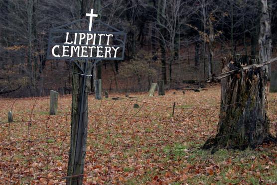 Lippitt Cemetery sign 07.jpg