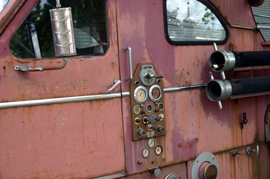 Side of firetruck in junkyard 08.jpg