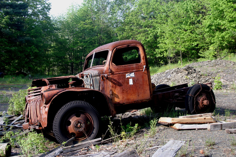 NY06 old truck in shale bank 2.jpg