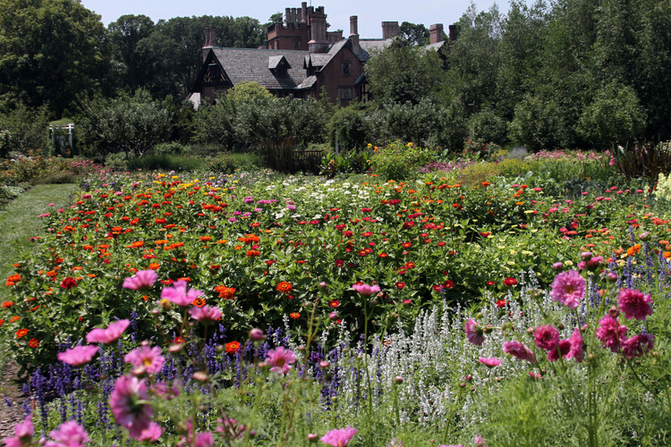Stan Hywett 'house with massed annuals f