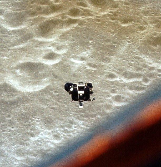 """""""Snoopy"""" approaching rendezvous with """"Charlie Brown"""""""