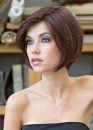 Lisa avec monofilement, cheveux synthétiques