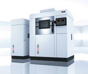 Naš glavni partner na tržištu SLS printera svjetski je vodeća njemačka tvrtka EOS. U suradnji sa EOSom omogućujemo našim klijentima proizvodnju inovativnih i visoko kvalitetnih proizvoda temeljenih na industrijskim tehnologijama 3D printa. EOS je globalni lider u području  rješenja vrhunske tehnologije i kvalitete aditivne proizvodnje (AM).