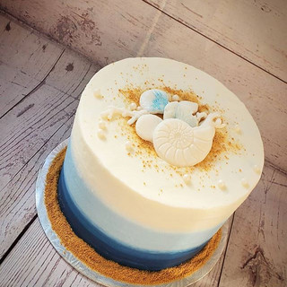 This little cake.. was simple and sweet