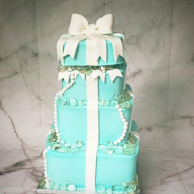 Tiffany cake _#gems #isomalt #cakemaker