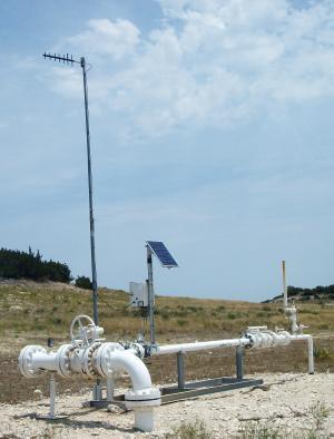 oil-and-gas-solar-power.jpg