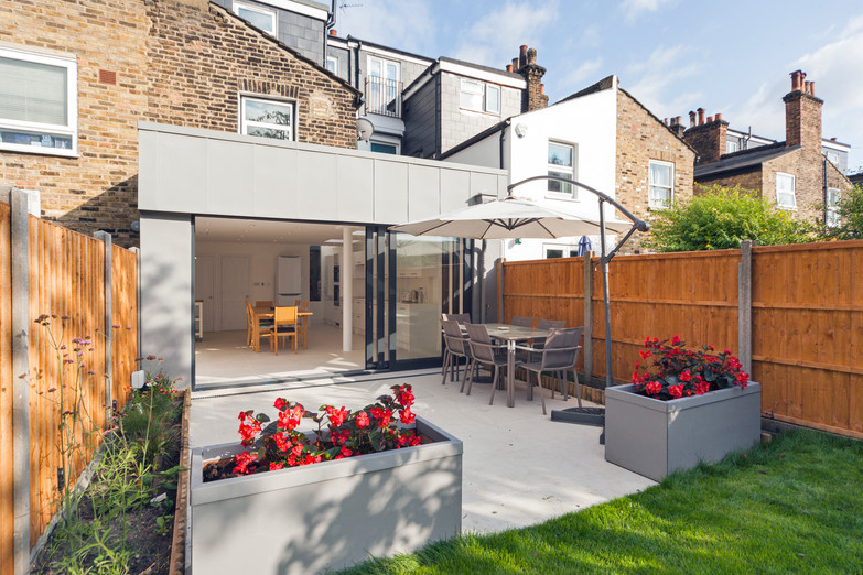 Zinc cladding extension for a terraced house