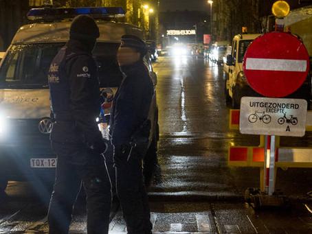 Belgia: arme găsite în urma unor percheziții la Bruxelles. 5 arestări!