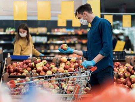 Supermarketurile își adaptează programul pentru a evita aglomerația de sărbători