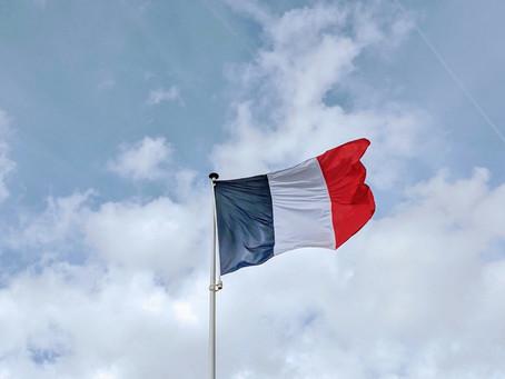 Franța renunță precaut și treptat la restricțiile sanitare