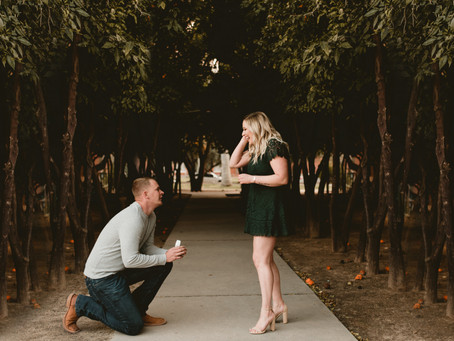 TIANA + JOHN // SWEET SURPRISE PROPOSAL AT UNIVERSITY GRADUATION SESSION