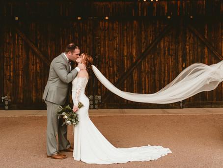 BRIANNA + ZACH // STUNNING DESERT WEDDING AT STARDANCE
