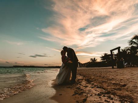 SHELBY + ANDREW // TROPICAL BEACH WEDDING IN RIVIERA MAYA