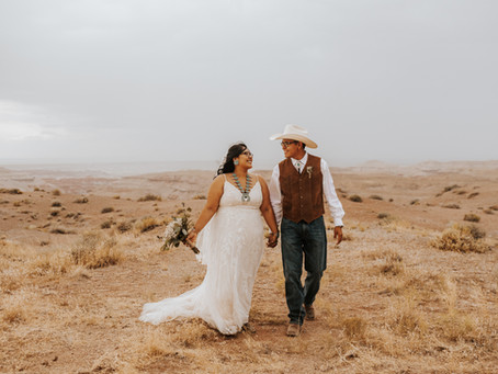 SHANIA + REGGIE / SUNSET NAVAJO INTIMATE WEDDING IN NORTHERN ARIZONA / ARIZONA WEDDING PHOTOGRAPHER