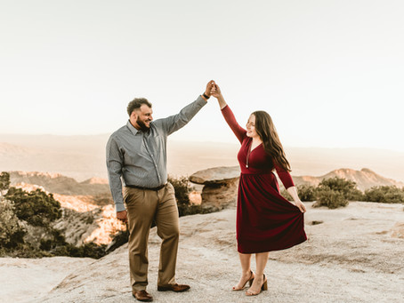 MYLES + IRENE // ADORABLE MOUNT LEMMON ENGAGEMENT SESSION AT COOKIE CABIN